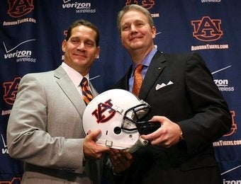 Illustration for article titled Auburn Rallies The Troops To Defend Gene Chizik