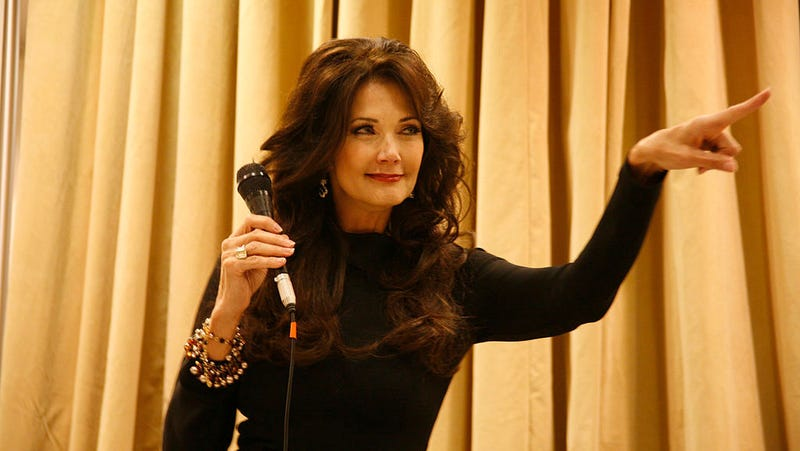Lynda Carter slams James Cameron after Wonder Woman comments