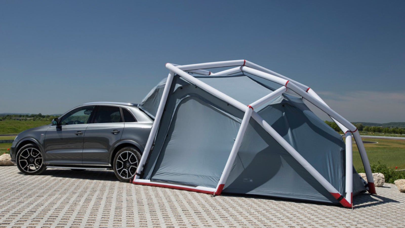 Audi has teamed up with outdoor company heimplanet to build an rough-weather-ready geodesic retractable tent for the Q3 SUV. Iu0027m not sure how deep into the ... & A Tent For Your Tiny Crossover