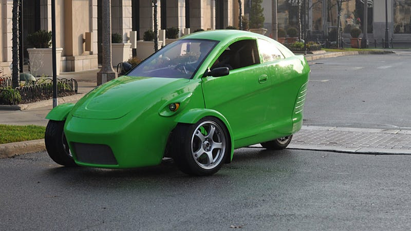 Illustration for article titled Elio Motors Unveils Car In Michigan While Asking For Cash At Home