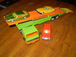 Illustration for article titled Teaser photo of Siku Car transporter