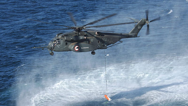 Illustration for article titled The Navy's Largest Chopper Is an Aerial Mine Hunter