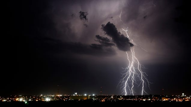 The Weather Machine Reveals How the Forecast Is Made—and Why It's Now Threatened