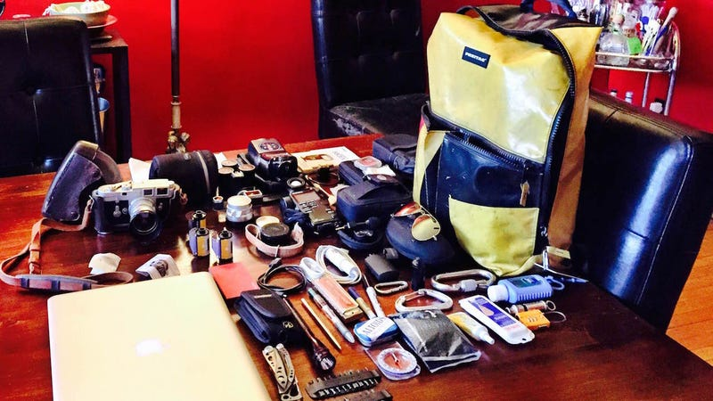 Illustration for article titled The Dad's Weekend Photography Bag