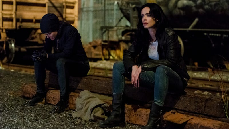 Illustration for article titled A downright confusing episode of Jessica Jones takes some odd swerves