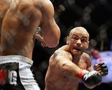 """Illustration for article titled MMA Fight Scrapped Due To A (Yikes) """"Brain Irregularity"""""""