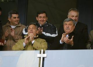 Illustration for article titled Most akkor Orbán nekitámadt Csányinak fociügyben?