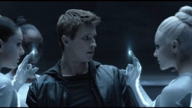 Cyber-Sirens Strip Sam Naked In New Tron Legacy Clip-8141