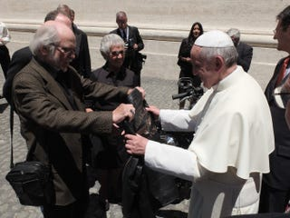 Illustration for article titled Pope Francis Receives A Biker Jacket From Wille Davidson