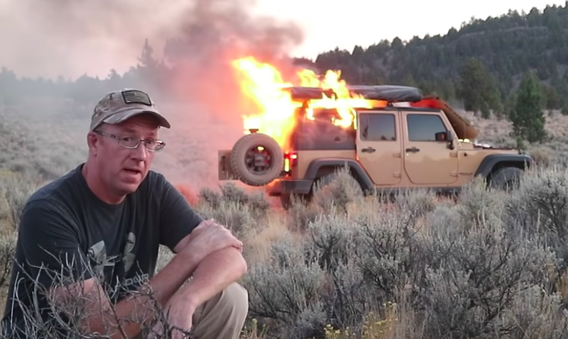 Illustration for article titled Off-Road Vlogger Records His Jeep Wrangler Going Up in a Huge Fireball