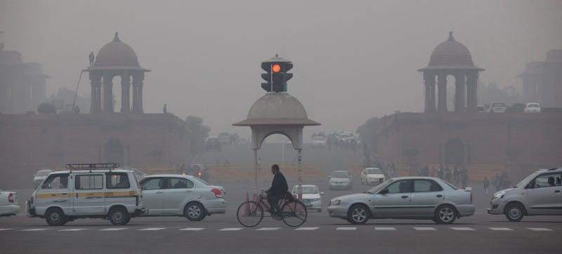 Illustration for article titled Delhi Still Chokes on Smog Despite Banning Half Its Cars