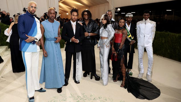 Lewis Hamilton Did A Nice Thing At The Met Gala
