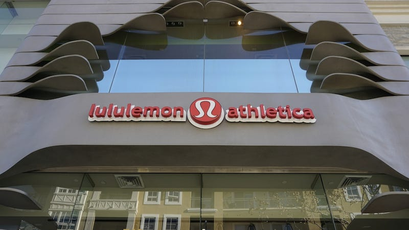 Illustration for article titled Is Lululemon's Logo Just Too Girly for Guys?