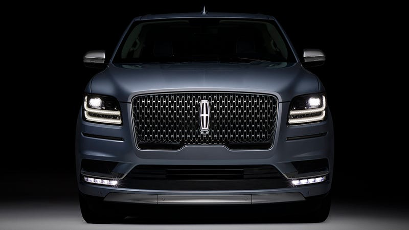 The 2018 Lincoln Navigator Is A 450 Horsepower Fancy Freight Train