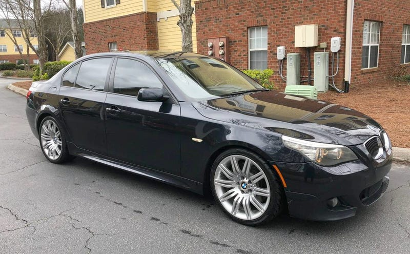 Illustration for article titled At $9,900, Could This 2008 BMW 550i Prove To Be Pretty Nifty?