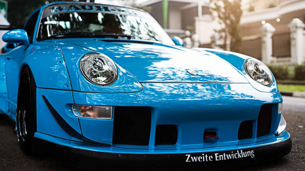 An RWB 993 built in memory for a loving mother
