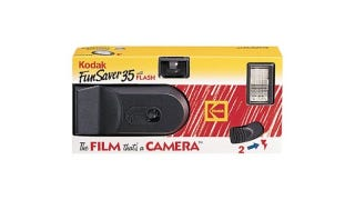Illustration for article titled Before the Cheap Digital Camera, There Was the Kodak FunSaver