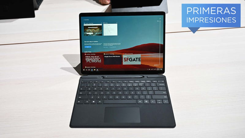 Illustration for article titled El Surface Pro X es el dispositivo más importante que ha lanzado Microsoft hoy