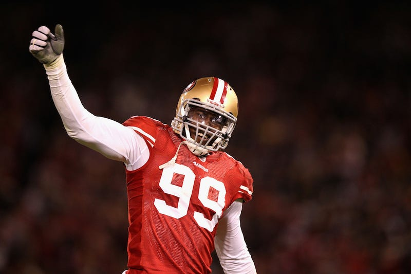 Illustration for article titled Reports: 49ers Linebacker Aldon Smith Stabbed At House Party, Two Others Shot