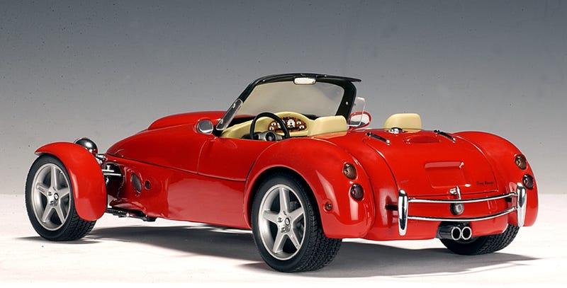 I've been reminded of the Panoz Roadster after reading up on some new open-top three wheelers (Vanderhall Venice, etc.)