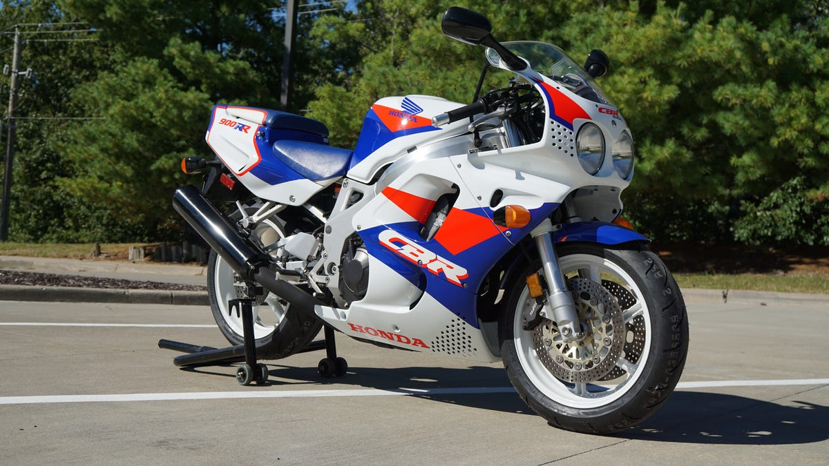 Here's Exactly What It Cost To Rebuild A 1993 Honda CBR900RR Unicorn To  Showroom Status
