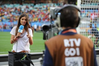 Illustration for article titled Iker Casillas' Girlfriend Grills Him Live On TV After Spain Loss