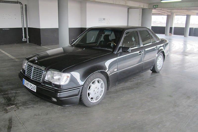 Illustration for article titled Stolen Mercedes-Benz W124 E500