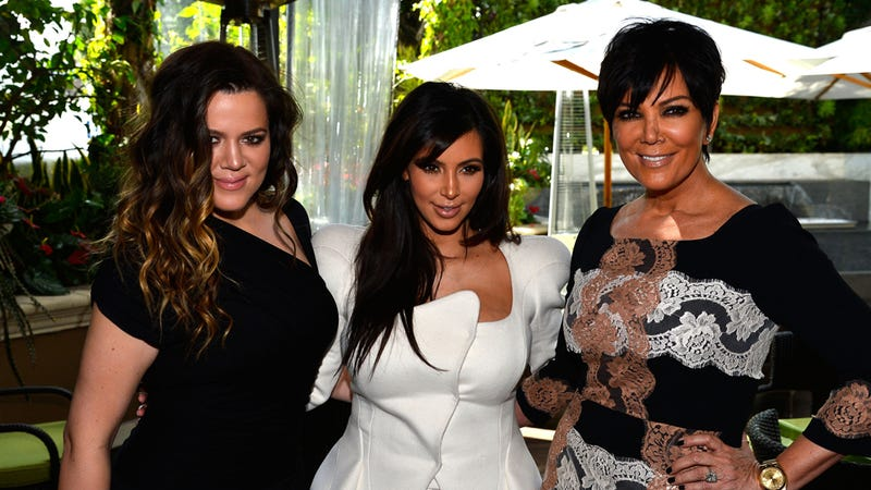 Illustration for article titled Kardashians' Ex-Stepmom Drops Bombshell, Reveals the Sisters are 'Fake'