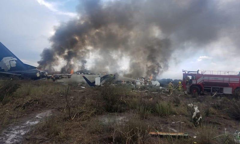 Illustration for article titled Cómo lograron sobrevivir los 103 pasajeros que iban en el avión accidentado en México