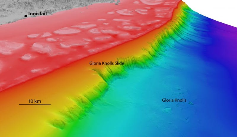 North-westerly view of the Gloria Knolls Slide and Gloria Knolls off Innisfail, Australia. Depths are coloured red (shallow) to blue (deep), over a depth range of about 5,500 feet (1,700 metres). (Image: www.deepreef.org)