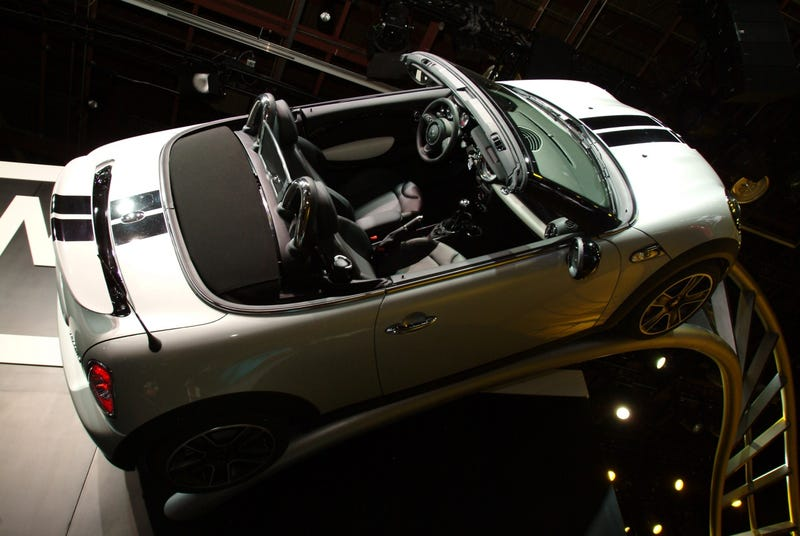 Illustration for article titled 2013 Mini Roadster Live Pictures