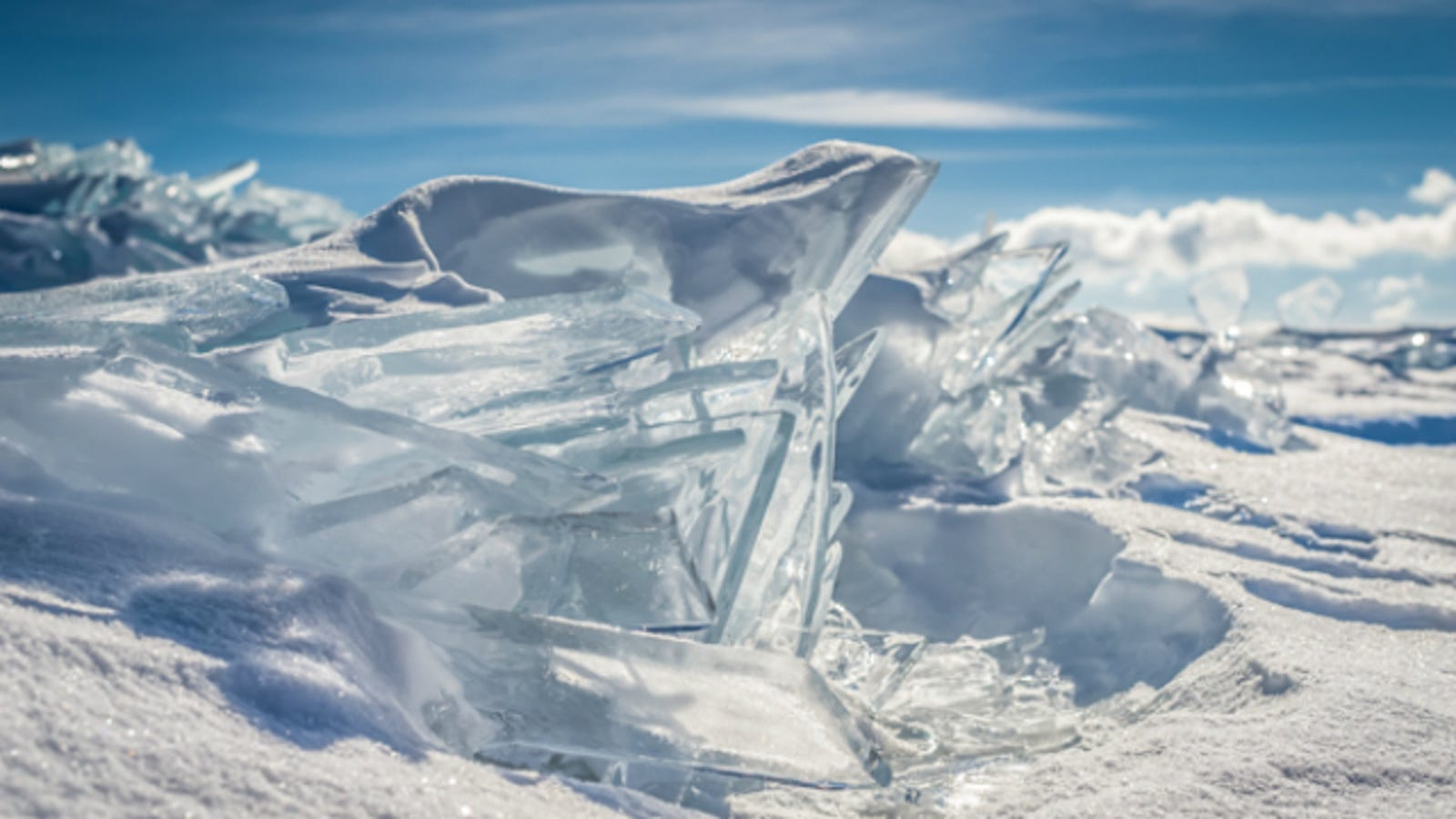 Lake Superior S Ice Looks Like Superman S Fortress Of Solitude