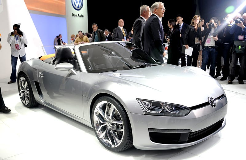 Illustration for article titled Volkswagen Bluesport Concept 42 MPG Roadster Officially Revealed