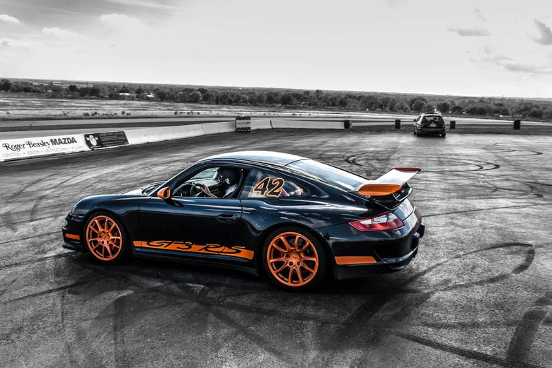 Illustration for article titled Why A 911 GT3 RS Is The Perfect Car For Injured People