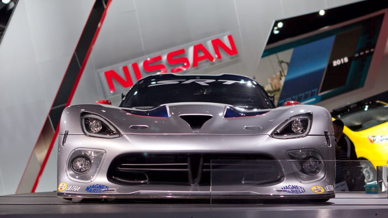 Illustration for article titled 2013 SRT Viper GTS-R: Car Porn Photos
