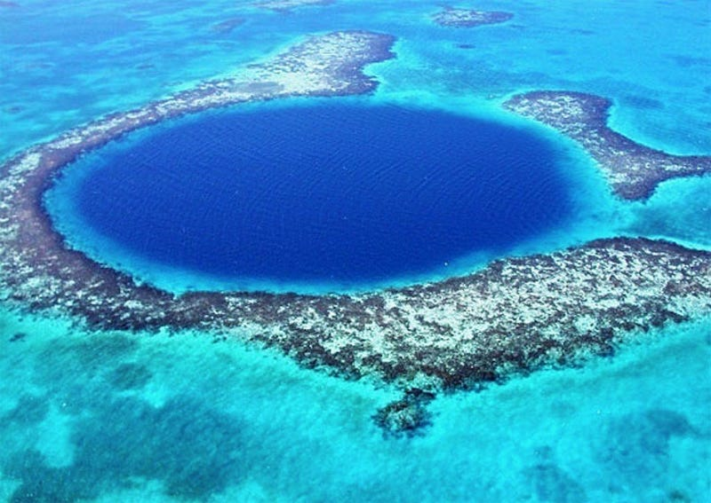 Illustration for article titled Clues About the End of Maya Civilization Come from this Blue Hole