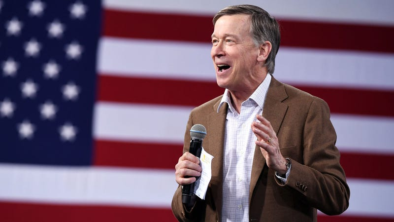 Illustration for article titled John Hickenlooper Sets Ambitious $250 Fundraising Goal For Next Debate Cycle