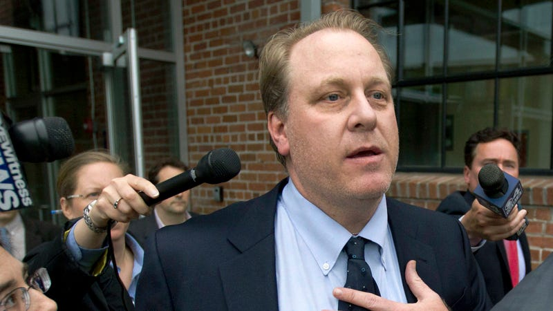Illustration for article titled Curt Schilling Went On The Radio To Defend His Right To Think Young Girls Are Attractive