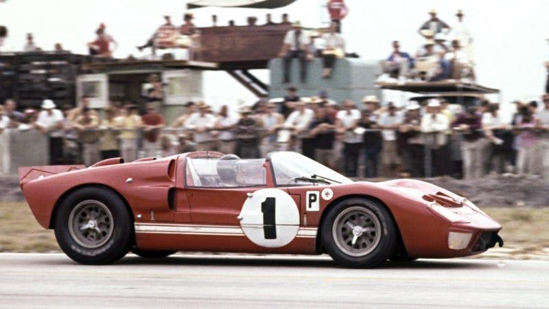 Illustration for article titled Ford V. Ferrari, Showcasing The 1966 Battle at Le Mans, Comes Out Nov. 15