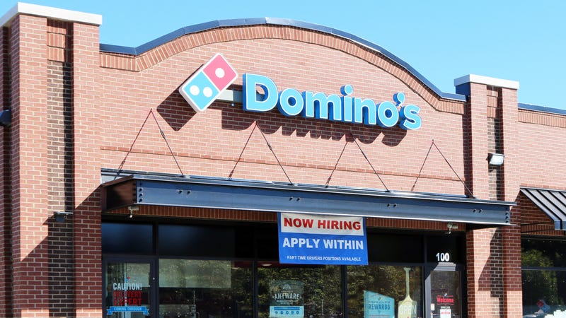 Illustration for article titled Domino's manager apologizes to woman for racial slur with $50 gift card