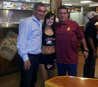 Illustration for article titled Dan Snyder And Mike Shanahan Fly To Waco, Immediately Go To Hooters
