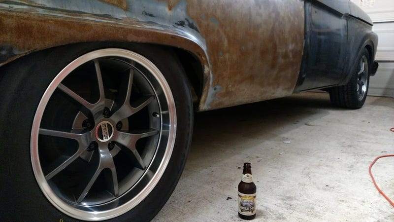 Illustration for article titled Beer and wrenching. Not a whole lot better than that.