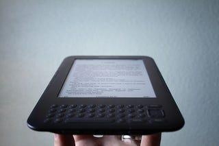 Illustration for article titled Rise of the eBooks: Kindle Books Now Outsell Paperbacks