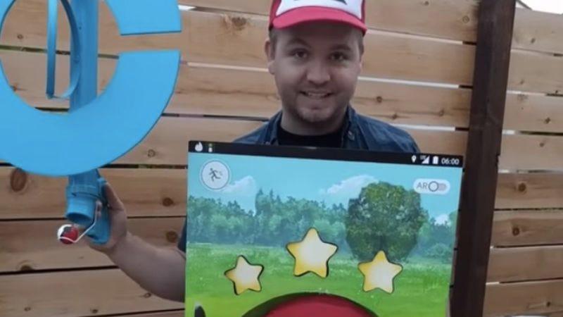 Illustration for article titled Impressive Pokémon Go costume harks back to when people played Pokémon Go
