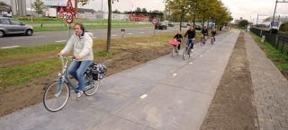 Illustration for article titled The World's First Solar Road Is a Bike Path in the Netherlands