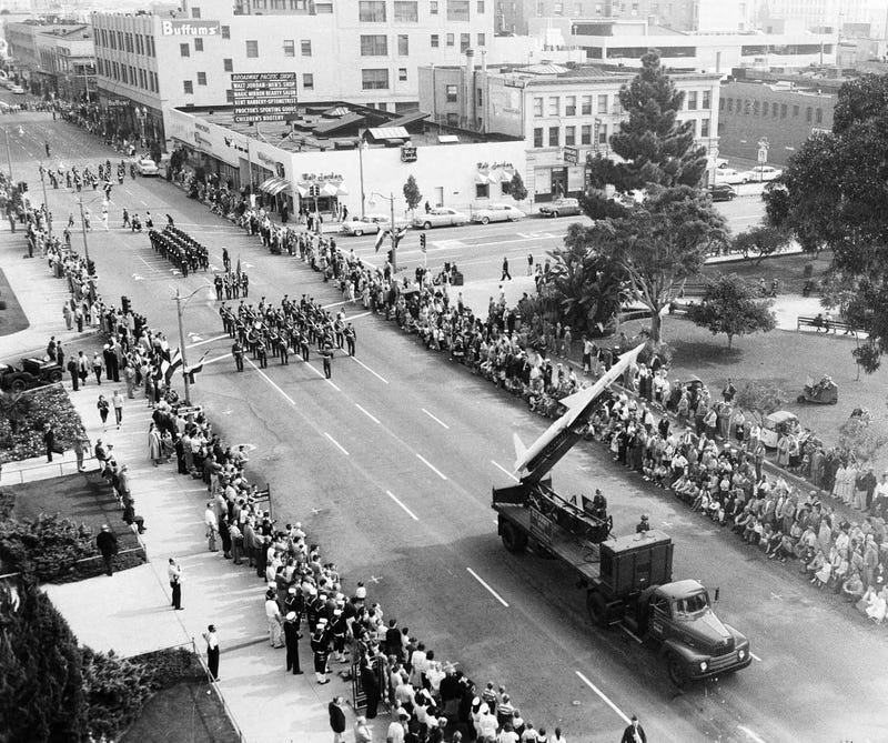 Illustration for article titled In Cold War LA, Nuclear Missiles Starred in Veterans Day Parades