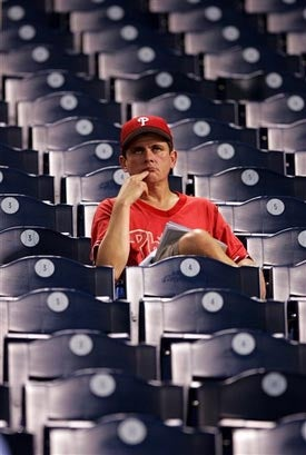 Illustration for article titled Citizens Bank Park Is Off To A Thrilling Postseason Start