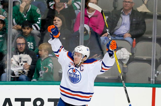 Connor McDavid Gets His First NHL Hat Trick