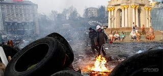 Illustration for article titled These incredible before and after shots of Ukraine are terrifying