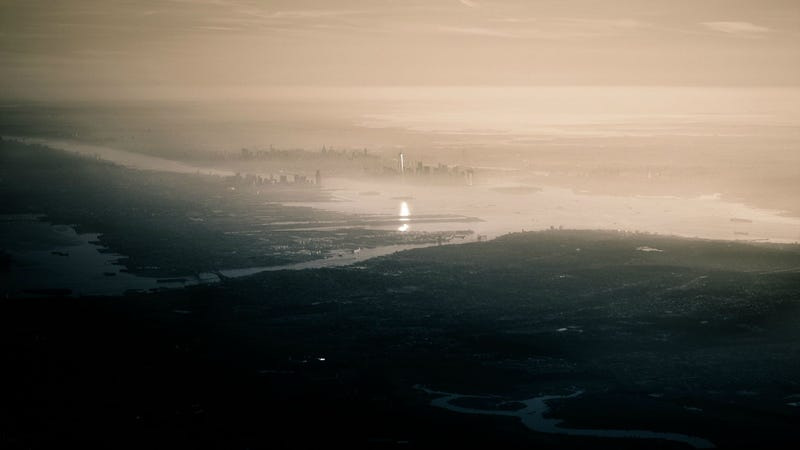 Illustration for article titled This Aerial of New York Makes One WTC Look Like the Eye of Sauron